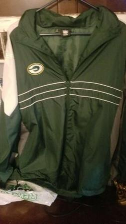 Green bay packers  lightweight jacket  with full zipper and